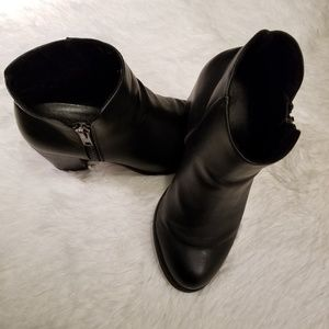 Torrid Black Ankle Zipper Booties Size 8.5W